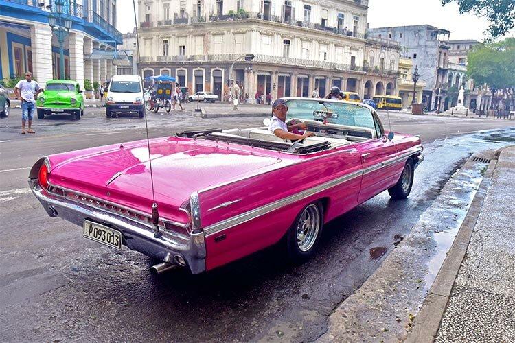 In Cuba this Pontiac Bonneville, built in 1961, is a rarity – in Havana it is guaranteed to be unique. © Havana My Way, info@havanamyway.com