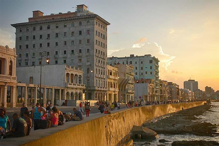 El Malecon © Havana My Way, info@havanamyway.com